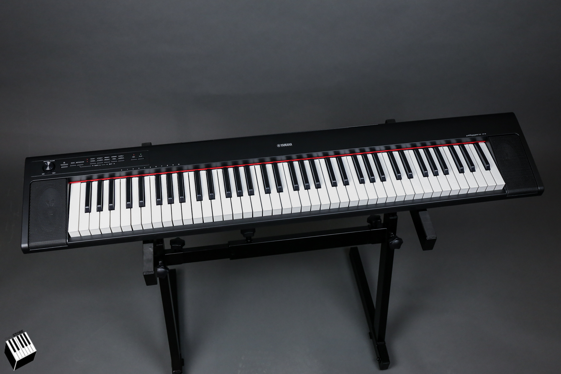 yamaha np 32 mobilny keyboard serii piaggero keyboardy. Black Bedroom Furniture Sets. Home Design Ideas